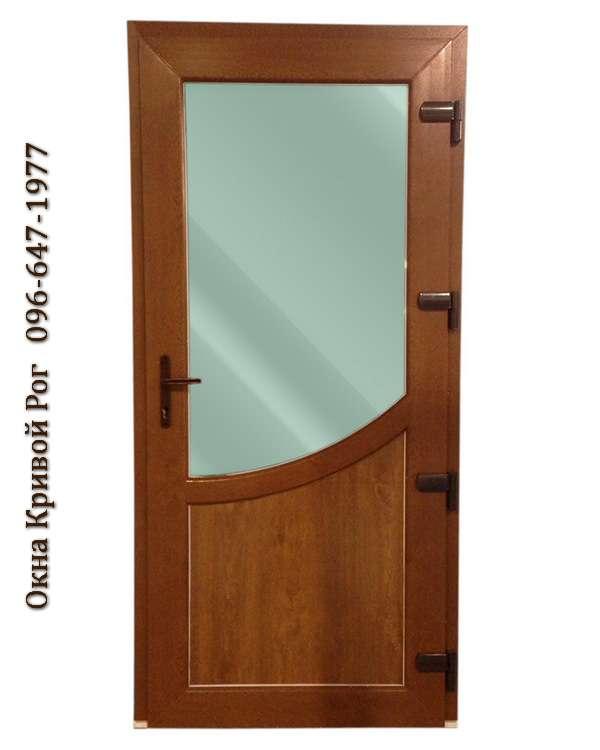 Металлопластиковые двери с цветным стеклом и коричневой термопанелью