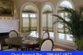 Окна с полуарками сверху придают комнатам аристократичности, изысканности и уюта.