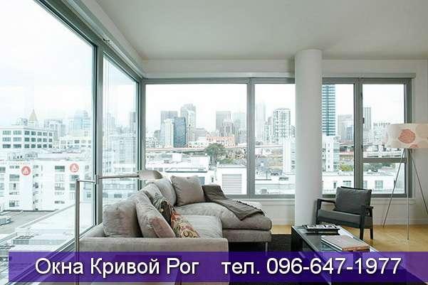 Панорамные окна с видом на мегаполис