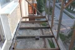 Двойное расширение балкона: по плите и уровню перил