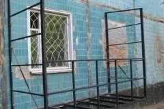 металлокаркас - это фундамент, на котором держатся все части пристроенного балкона