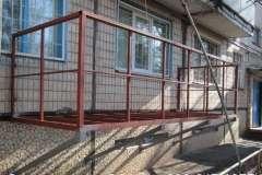 Металлокаркас пристраиваемого балкона выглядит примерно так