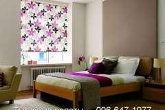 Стильные тканевые роллеты с ярким рисунком в виде цветов