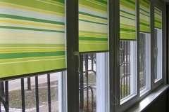 тканевые роллеты с рисунком в виде чередующихся жёлтых и светло зелёных полос