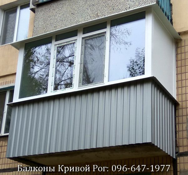 Обшивка балкона профнастилом цвета серебро