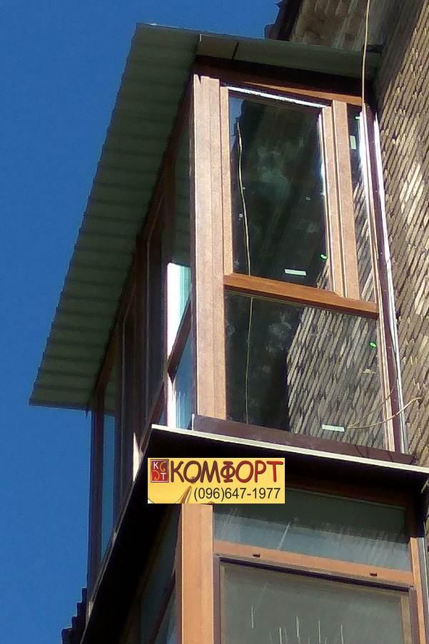 Рама на балкон с открывающейся боковой створкой