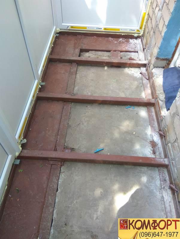 Расширение балкона с укреплением под Французский балкон