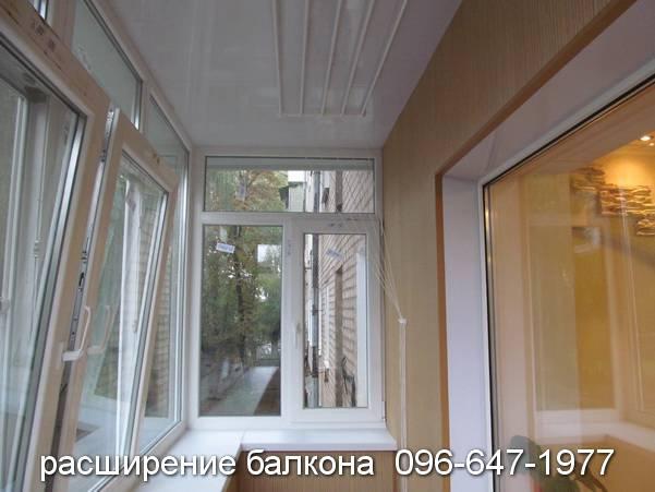 обшивка балкона деревом или пластиком