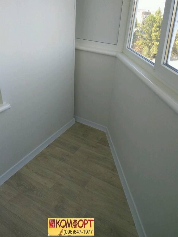 обшивка балкона пластиком белого цвета